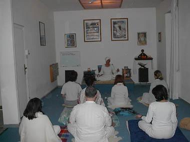 A lezione - Centro Yoga Shakti - 2004